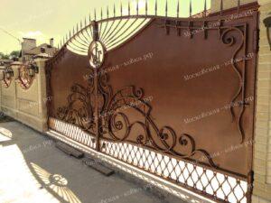 Кованые ворота и калитка цвета старой меди