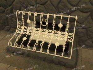 Кованые решетки для подвальных окон (2)