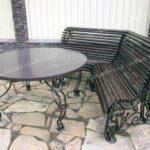 Кованые лавочки и стол