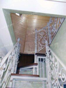 Лестница с коваными перилами (3)