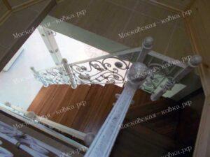 Лестница с коваными перилами (4)