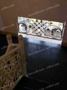 Светлые кованые перила для лестницы (5)