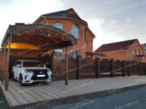 Шикарный кованый забор с навесом для авто (3)