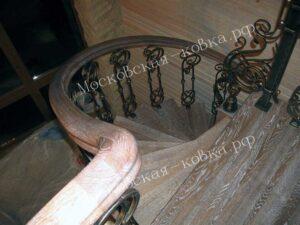 Лестничные перила из кованых балясин