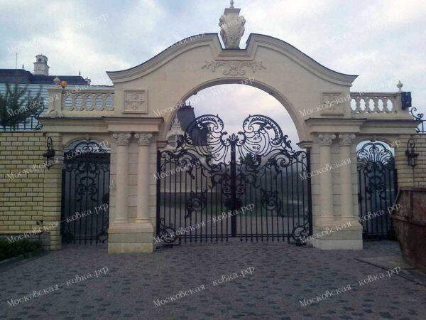 Входная группа из кованых ворот и калитки выполненных в английском стиле Артикул КВ-125