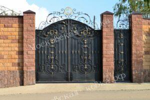 Кованые ворота и калитка высотой 4 метра