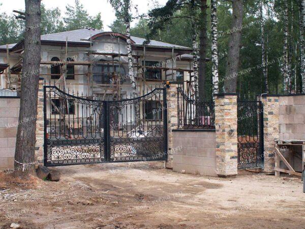 Кованые ворота и калитка для загородного дома Артикул КВ-136