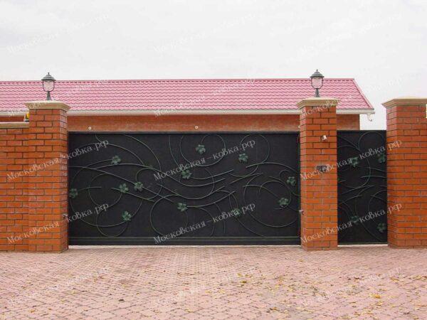 Кованые ворота и калитка с накладным рисунком виноградной лозы зашитые листом Артикул КВ-137