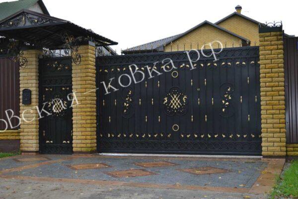Кованые откатные ворота калитка и козырек Артикул КВ-143