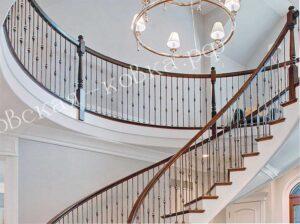 Кованые перила в строгом классическом дизайне