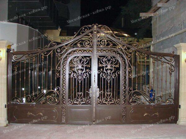 Кованые распашные ворота с встроенной калиткой Артикул КВ-144
