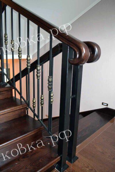Лестничное ограждение с литыми вставками на балясинах АРТИКУЛ КП 2020-72