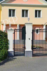 Лёгкие ворота и калитки из кованых элементов
