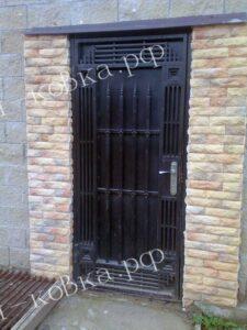 Монументальные ворота с литыми пиками