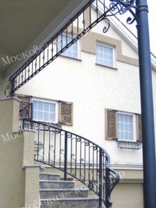 Ограждения лестницы и крыльца кованые