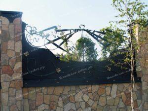 Оригинальные кованые ворота калитка и забор