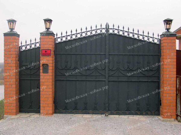 Строгие кованые ворота и калитка Артикул КВ-155