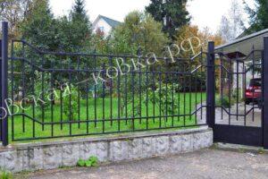 Забор и ворота из профильной трубки с пиками