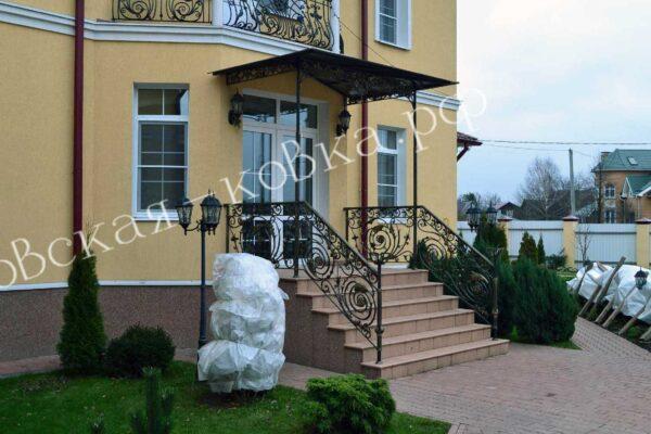 Кованый козырек и перила в стиле барокко Артикул № 139