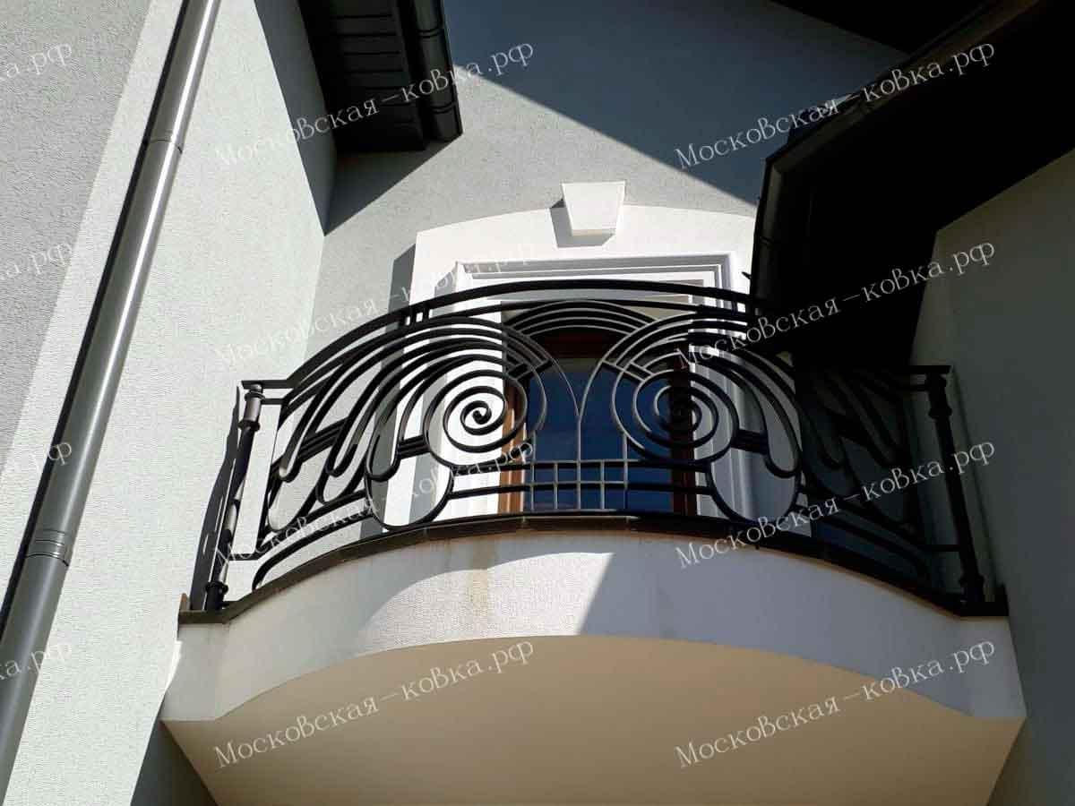 Кованые перила для террасы и балкона из стальной полосы