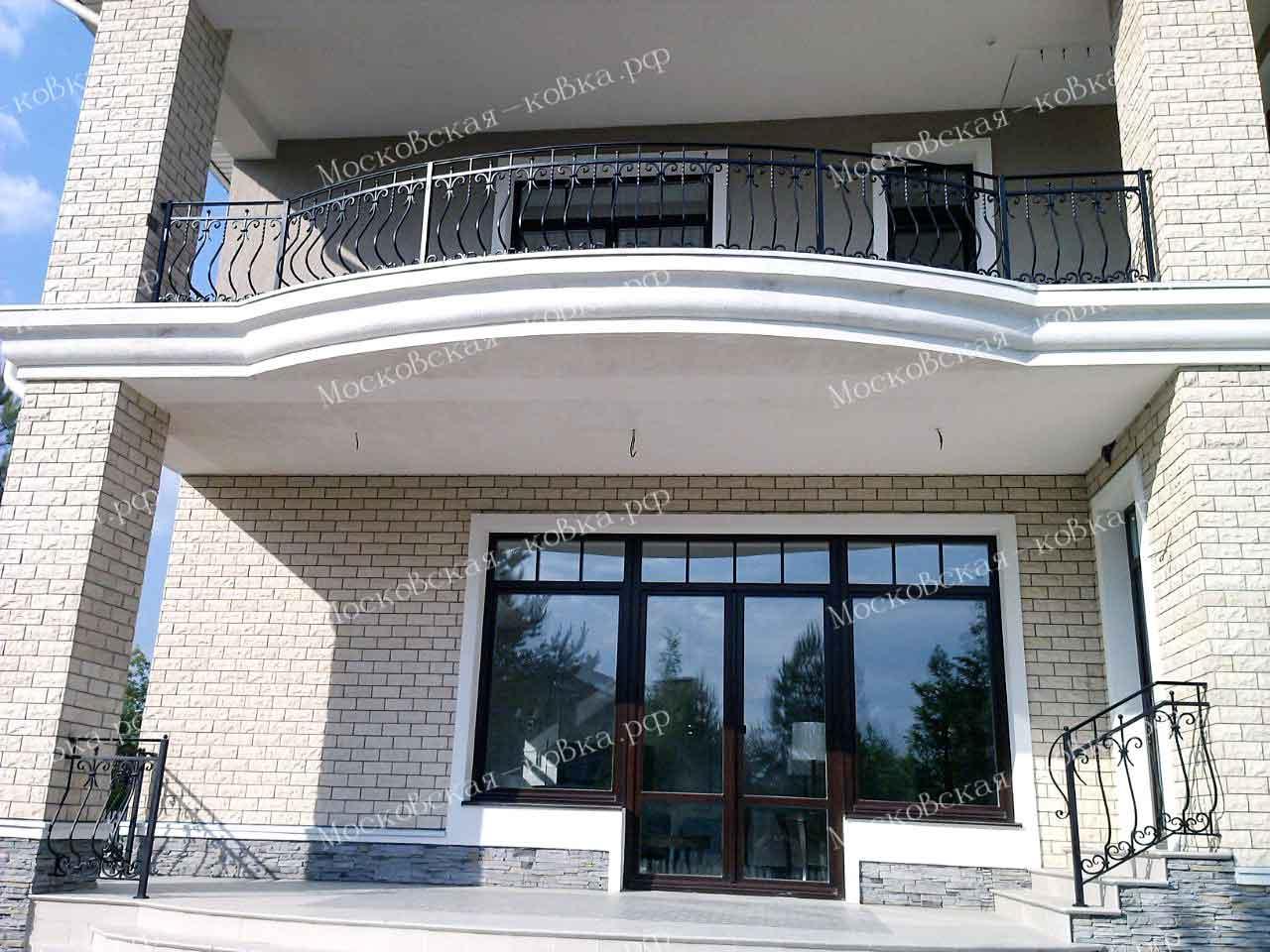 Недорогие выпуклые балконные ограждения